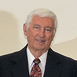 Tesorero Gianfranco Martinis de la Sociedad Italiana en Salta, Argentina